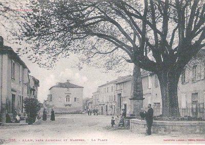 Cartes postales anciennes La Place